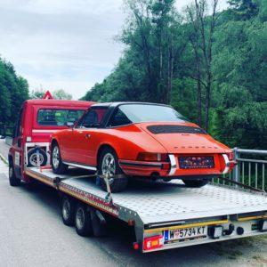Oldtimer Porsche Targa Autotransport