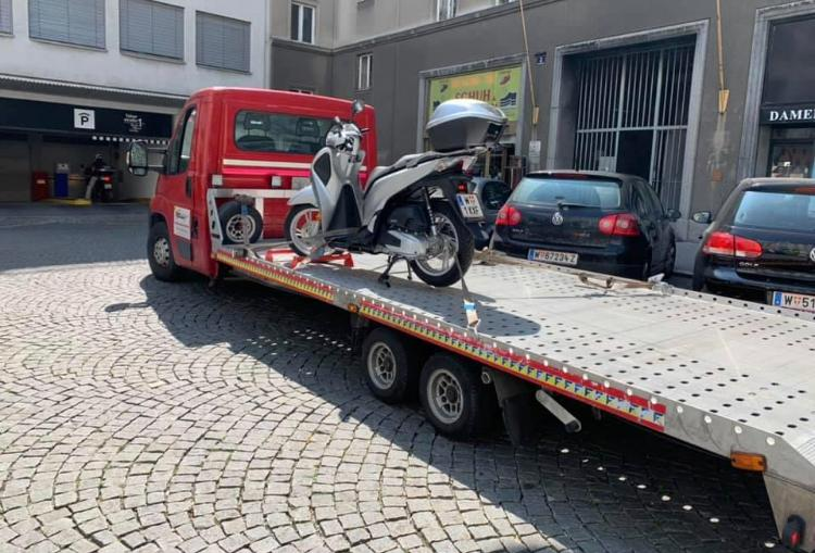 Motorrad Transport